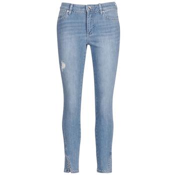 Îmbracaminte Femei Jeans  3/4 & 7/8 Armani Exchange HELBIRI Albastru / LuminoasĂ