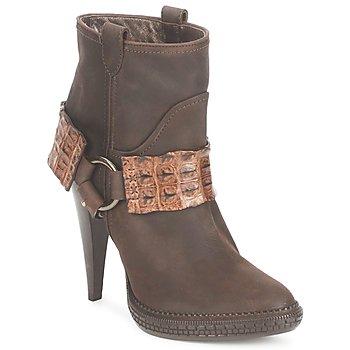 Pantofi Femei Botine Roberto Cavalli QPS577-PK206 Maro