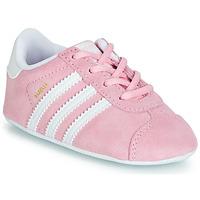 Încăltăminte Copii Pantofi sport Casual adidas Originals GAZELLE CRIB Roz