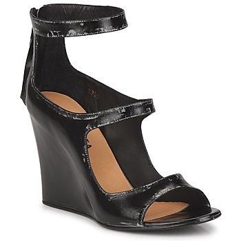 Încăltăminte Femei Sandale și Sandale cu talpă  joasă Premiata 2830 LUCE Nero