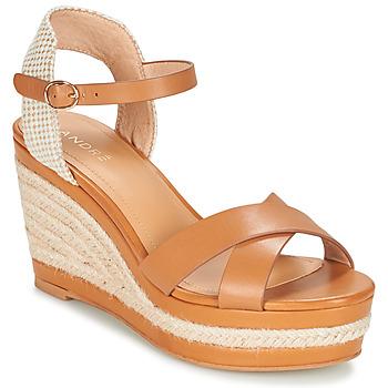 Pantofi Femei Sandale  André SAND Camel