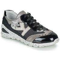 Pantofi Fete Pantofi sport Casual Ikks FIONA Negru / Argintiu