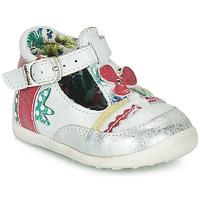 Pantofi Fete Sandale și Sandale cu talpă  joasă Catimini PALOMINO Alb / Roz