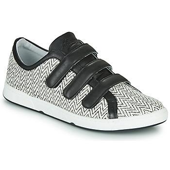 Pantofi Femei Pantofi sport Casual Pataugas JULIETTE Negru / Alb