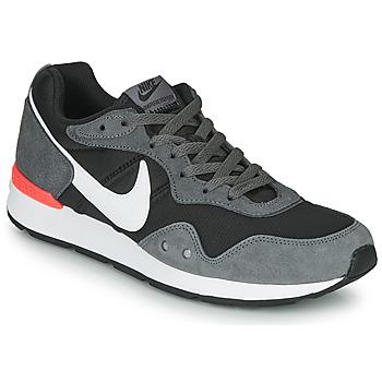 Pantofi Bărbați Pantofi sport Casual Nike VENTURE RUNNER Negru / Gri / Alb