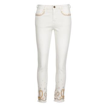 Îmbracaminte Femei Jeans slim Desigual PAISLEY Alb