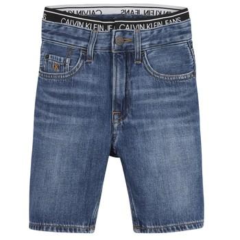 Îmbracaminte Băieți Pantaloni scurti și Bermuda Calvin Klein Jeans AUTHENTIC LIGHT WEIGHT Albastru