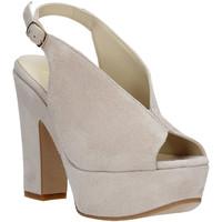 Pantofi Femei Sandale  Grace Shoes TQ 107 Bej