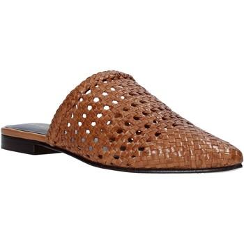 Pantofi Femei Saboti Marco Ferretti 161357MF Maro
