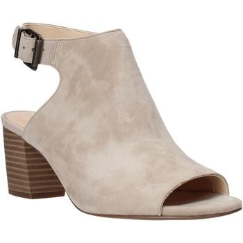 Pantofi Femei Sandale  Clarks 26140187 Bej