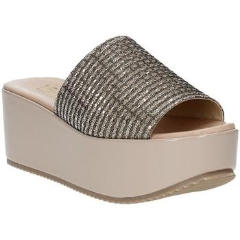 Pantofi Femei Papuci de vară Grace Shoes MILY Bej
