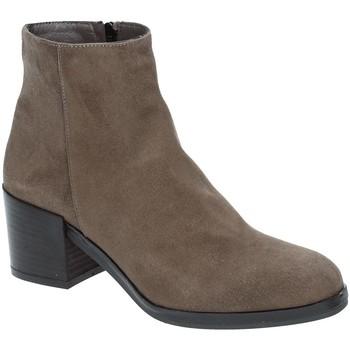 Pantofi Femei Botine Grace Shoes 1826 Maro