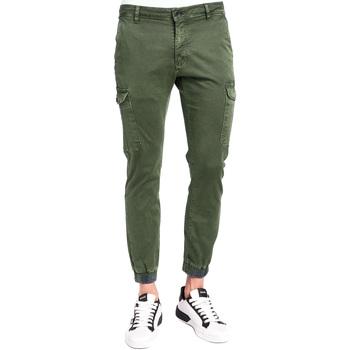 Îmbracaminte Bărbați Pantaloni Cargo Gaudi 921BU25011 Verde
