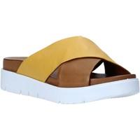 Pantofi Femei Papuci de vară Bueno Shoes N3408 Maro