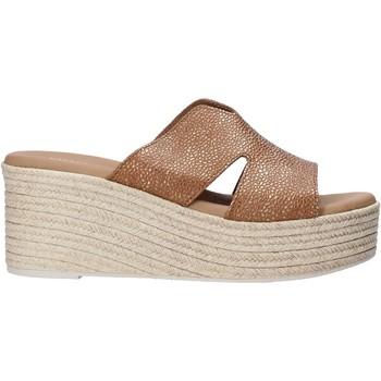 Pantofi Femei Papuci de vară Valleverde 34270 Maro