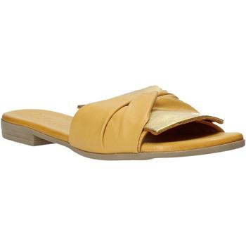 Pantofi Femei Papuci de vară Bueno Shoes 9L2735 Galben