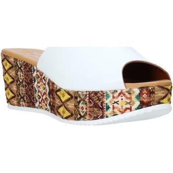 Pantofi Femei Papuci de vară Grace Shoes 10 Alb