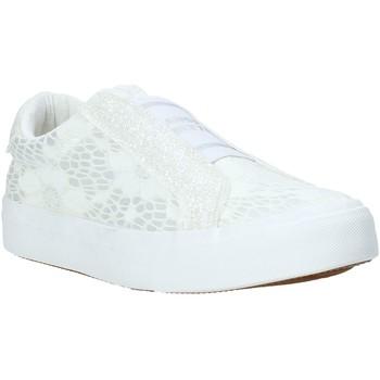 Pantofi Copii Pantofi Slip on Miss Sixty S20-SMS710 Alb