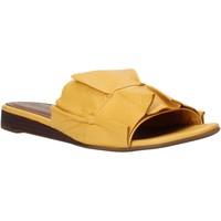 Pantofi Femei Papuci de vară Bueno Shoes N1908 Galben