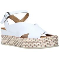 Pantofi Femei Sandale  Bueno Shoes Q5901 Alb