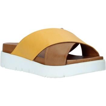 Pantofi Femei Papuci de vară Bueno Shoes 9N3408 Maro