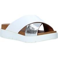 Pantofi Femei Papuci de vară Bueno Shoes 9N3408 Alb
