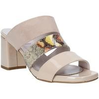 Pantofi Femei Papuci de vară Grace Shoes 116003 Bej
