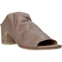 Pantofi Femei Papuci de vară Bueno Shoes N6103 Gri