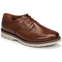 Pantofi Bărbați Pantofi Derby Clarks BAYHILL PLAIN Maro