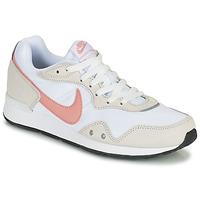Pantofi Femei Pantofi sport Casual Nike NIKE VENTURE RUNNER Alb / Roz