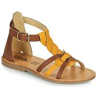 Pantofi Fete Sandale  Citrouille et Compagnie GITANOLO Galben / Camel