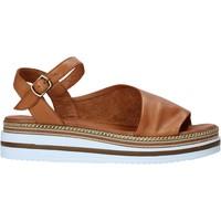 Pantofi Femei Sandale  Bueno Shoes 21WS4203 Maro