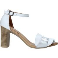 Pantofi Femei Sandale  Bueno Shoes 21WN4300 Alb
