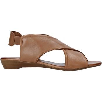 Pantofi Femei Sandale  Bueno Shoes 21WL2408 Maro