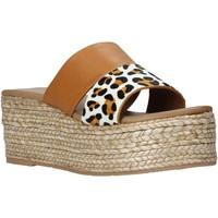 Pantofi Femei Papuci de vară Gold&gold A21 GK99 Maro