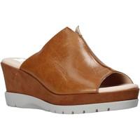 Pantofi Femei Papuci de vară CallagHan 29000 Maro
