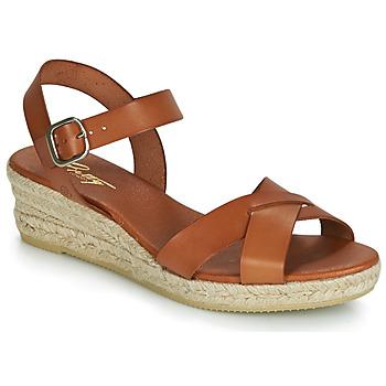 Pantofi Femei Sandale și Sandale cu talpă  joasă Betty London GIORGIA Camel