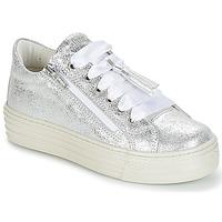 Încăltăminte Fete Pantofi sport Casual Primigi RAPATITE Argintiu