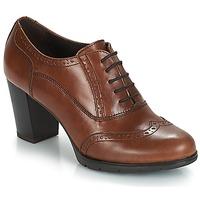Încăltăminte Femei Pantofi cu toc André CAPITAINE Maro