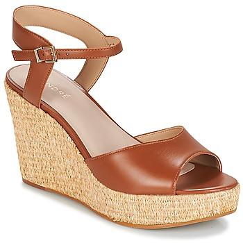 Pantofi Femei Sandale  André BUNGALOW Coniac