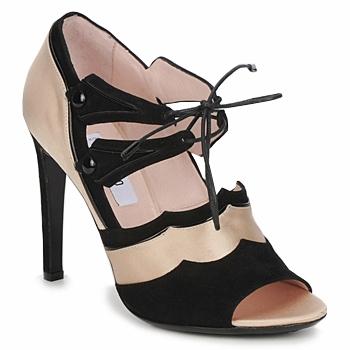 Pantofi Femei Sandale și Sandale cu talpă  joasă Moschino MA1601 100-raso-nude-cane